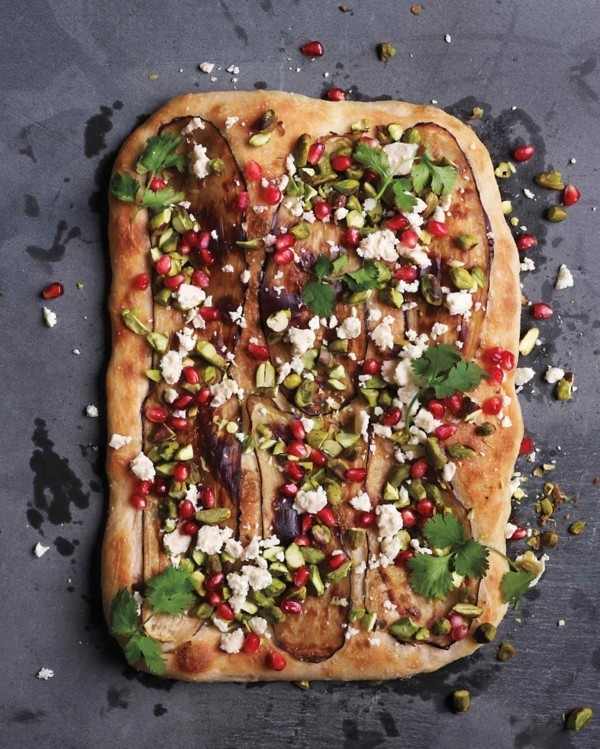 pizzabelag ideen auberginen granatapfel koriander