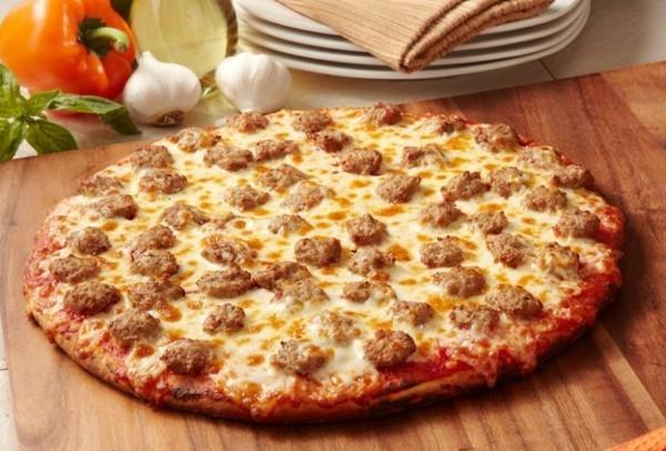 pizzabelag ideen käse tomaten hackbällchen