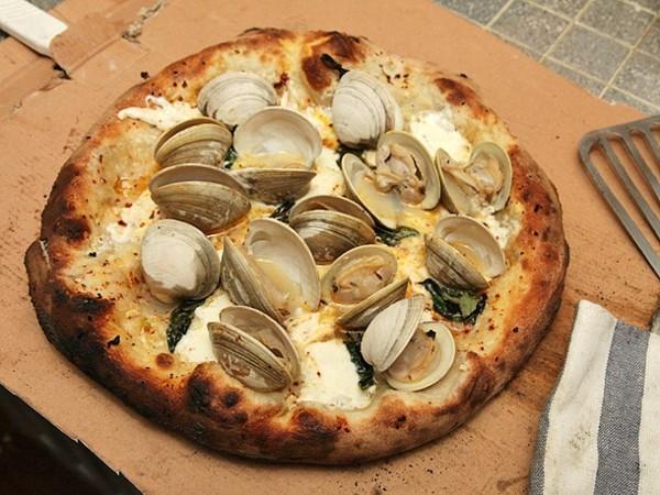 pizzabelag ideen muscheln mozzarella chili