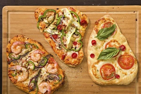 pizzabelag ideen schrimps basilikum tomaten zwiebel