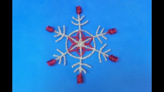 schneeflocken basteln aus pfeifenputzer zu weihnachten