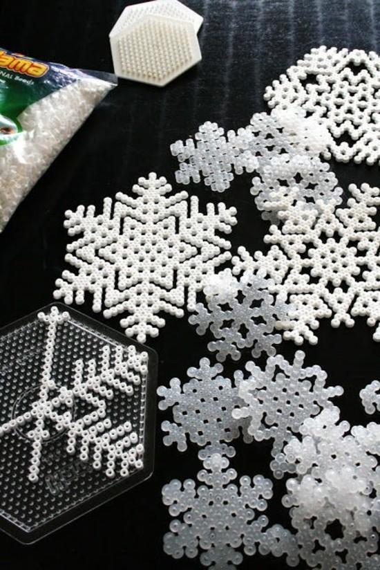 schneeflocken basteln mit bügelperlen