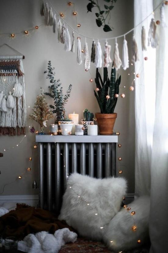 skandinavische weihnachtsdeko quastengirlanden lichterketten