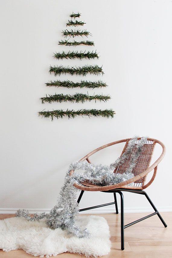 tannenbaum bastel grün auf weißer wand
