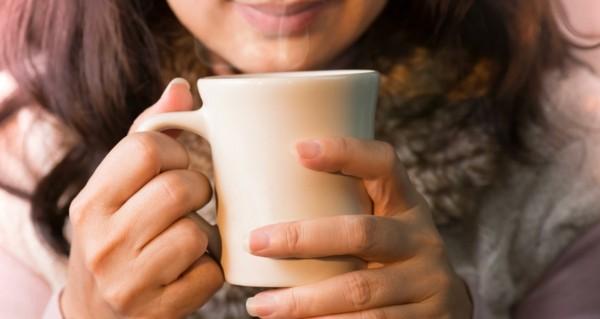 tee trinken wasser trinken flüssigkeitsmangel