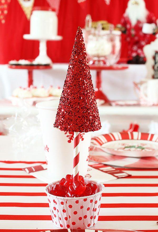 tolle rotweiße idee tannenbaum basteln