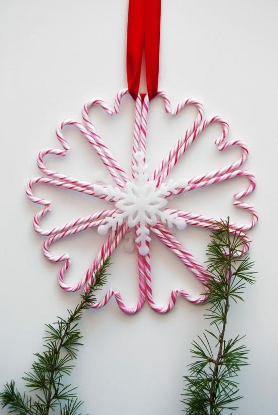 wanddeko weihnachten basteln zuckerstangen deko