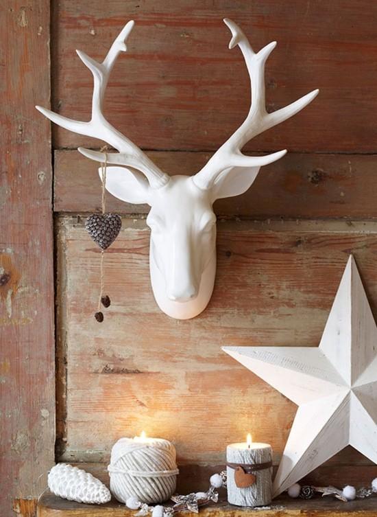 weiße skandinavische weihnachtsdeko