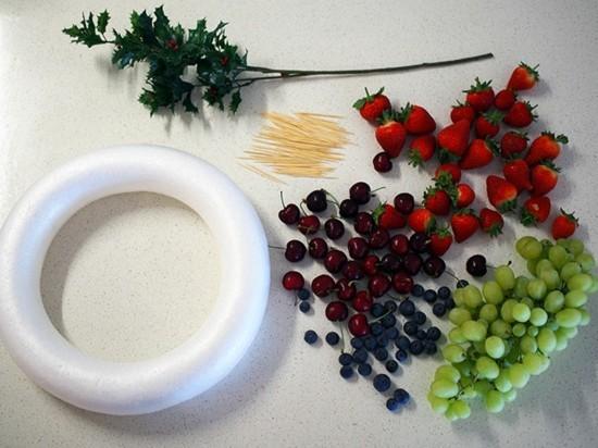 weihnachtskranz selber machen mit früchten