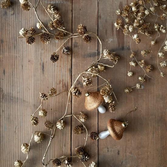 zapfen girlande basteln zu weihnachten