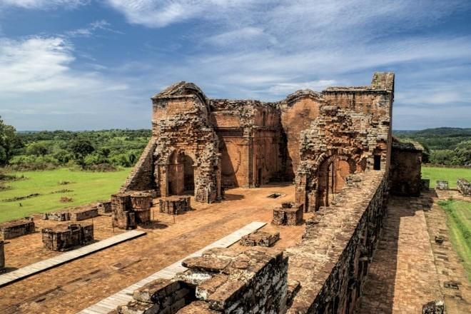 Die Ruinen einer Jesuitenfestung in Paraguay.