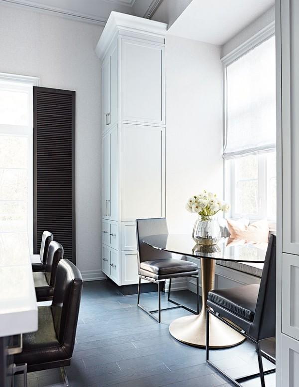 Frühstücksecken sehr elegant moderne Möbel Tisch mit Glasplatte sonniger Ort