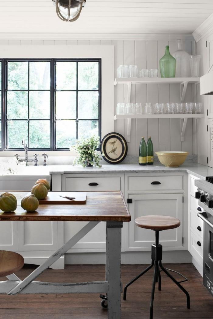 Kücheninsel auf Rollen nach dem Prinzip aus Alt mach Neu gestaltet