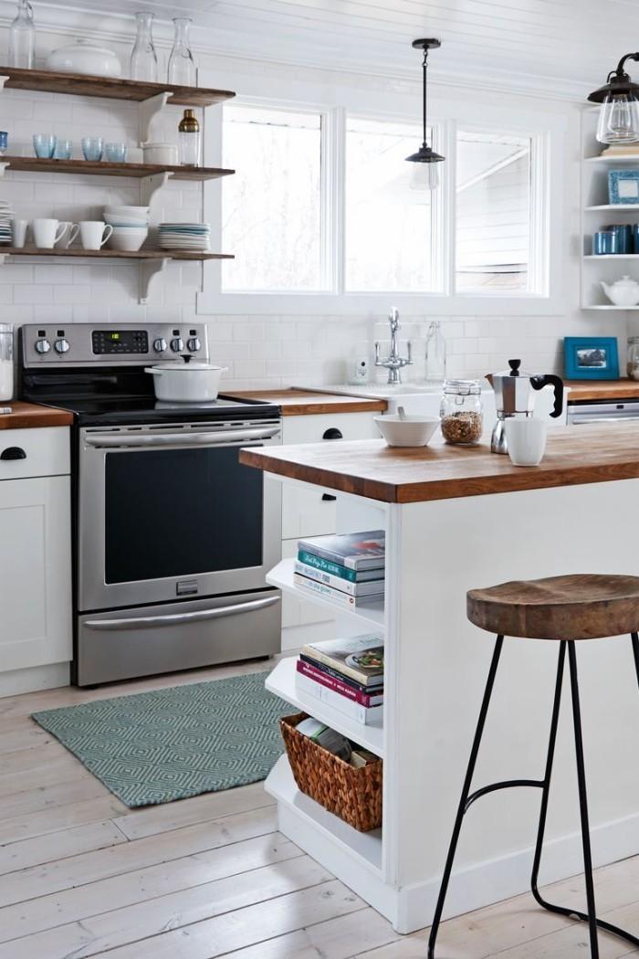 Kücheninsel mit Holzplatte Hocher Stauraum für Kochbücher
