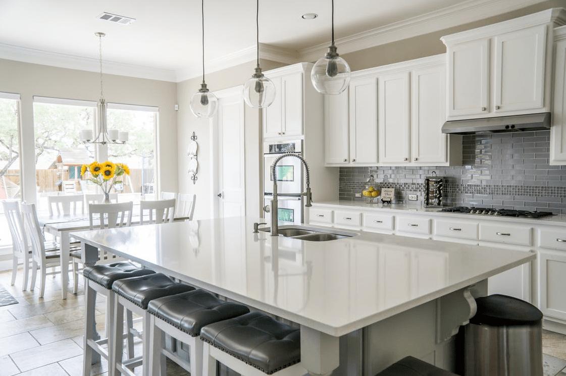 Küchentrends breiter tisch kücheninsel