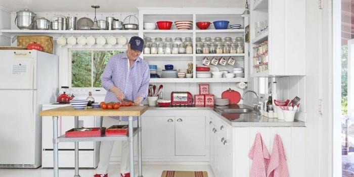 Kleine Kücheninsel auf Rollen sehr praktisch