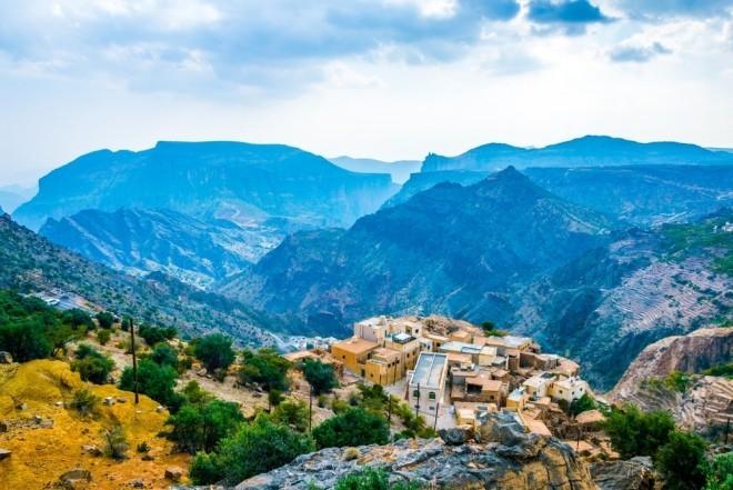 Reiseziele 2019 Landschaftsview auf ein Dorf in Oman