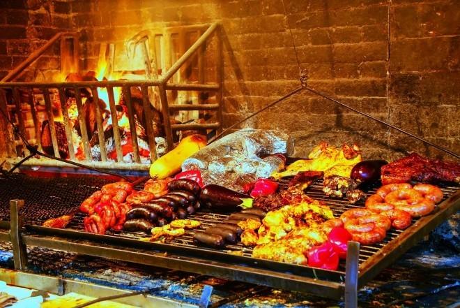 Reiseziele 2019 Parillas Grill auf dem Fischmarkt in Montevideo Uruguay