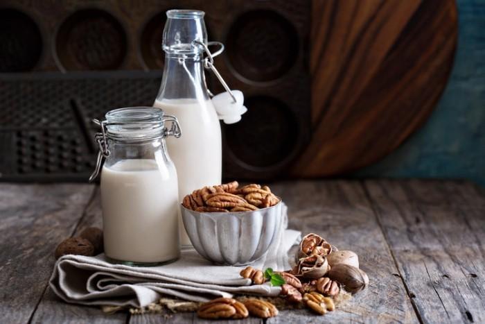 Schlafstörungen bekämpfen Milch enthält Aminosäure Tryptophan