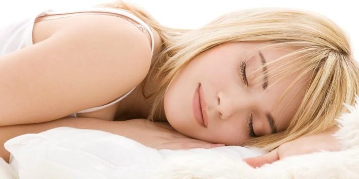 Schlafstörungen bekämpfen etwas Gesundes trinken und gut schlafen