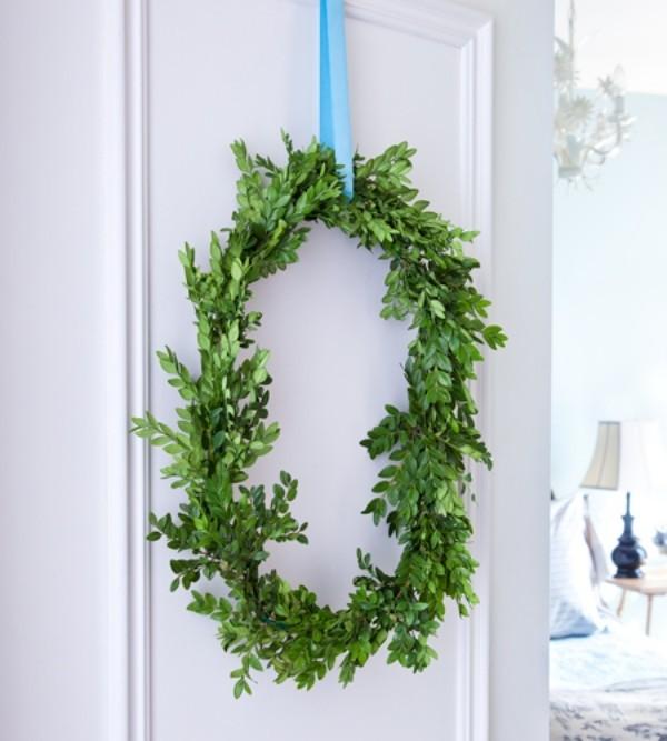 Weihnachtskranz ovale Form immergrüne Buchsbaumzweige