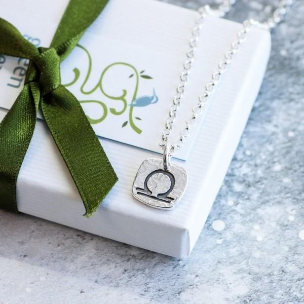 X-mas Geschenkideen luxuriöses Präsent schön verpackt für Waage-Dame