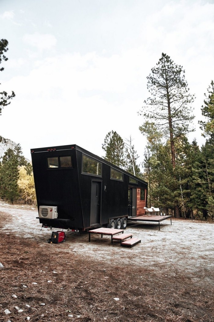 draper tiny house on wheels moderne architektur von land ark rv. Black Bedroom Furniture Sets. Home Design Ideas