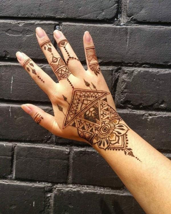 boho style tattoo ideen henna