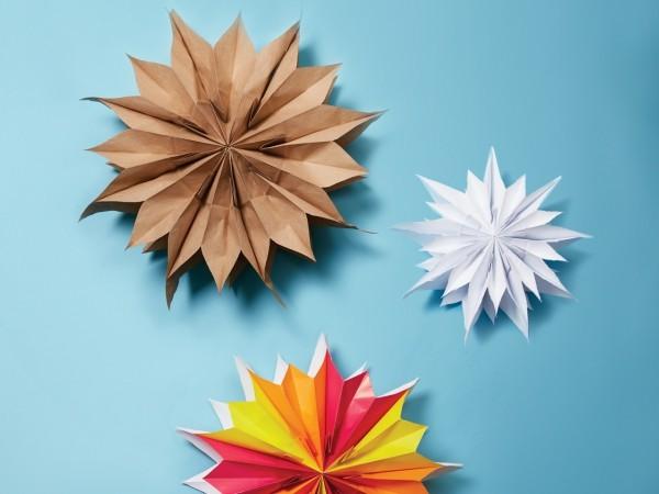 drei tolle farben papiersterne basteln