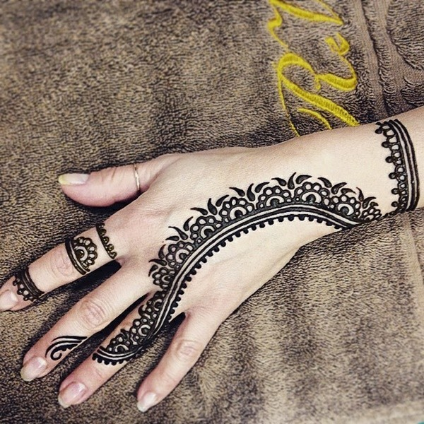 filigrane henna tattoo ideen hand