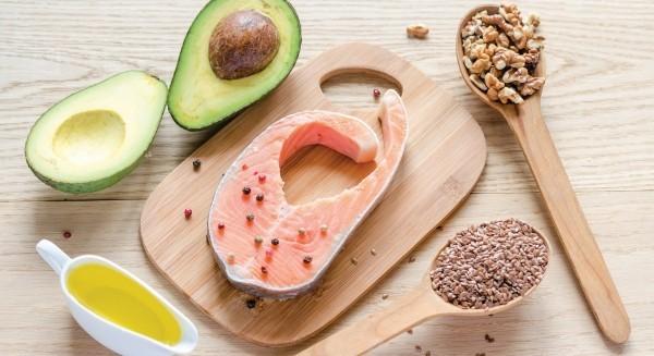 gesundes essen fisch und gewürze