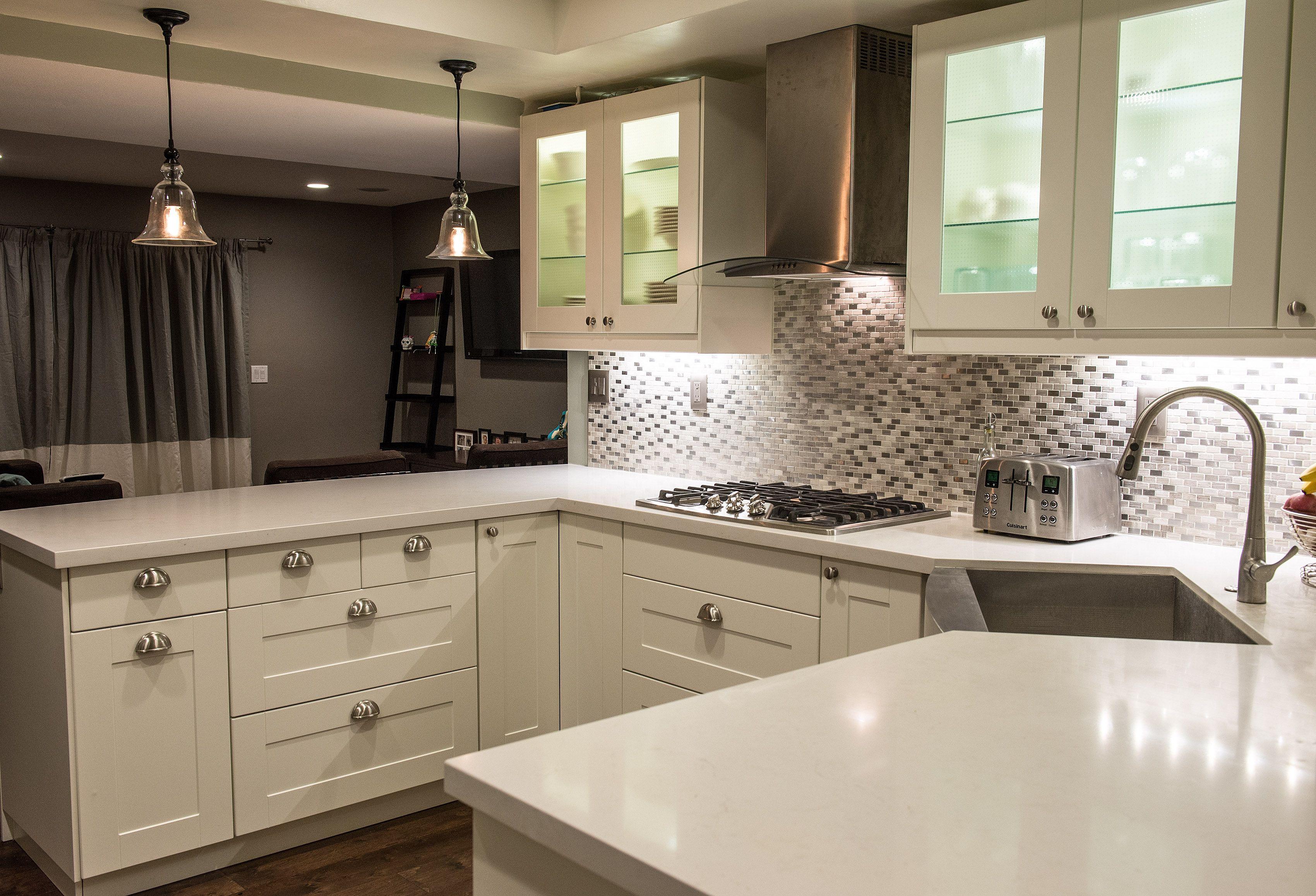 glanz in grau und weiß Küchentrends