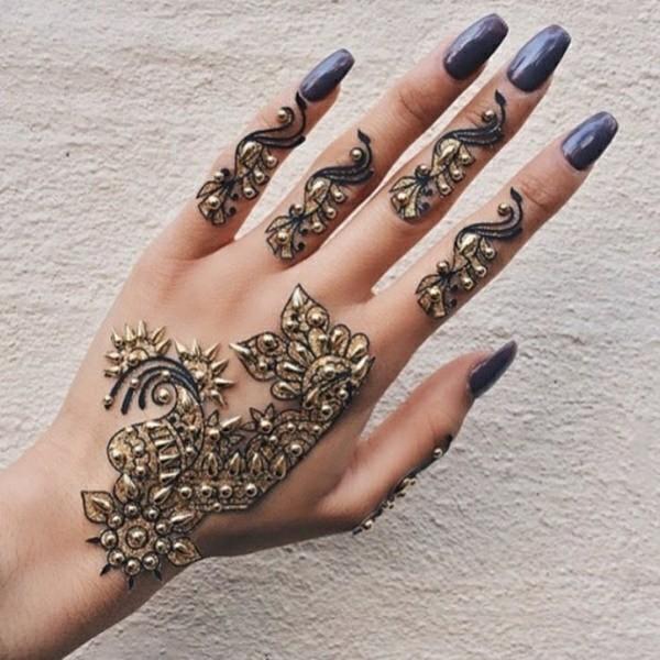 goldene tattoo ideen mit henna