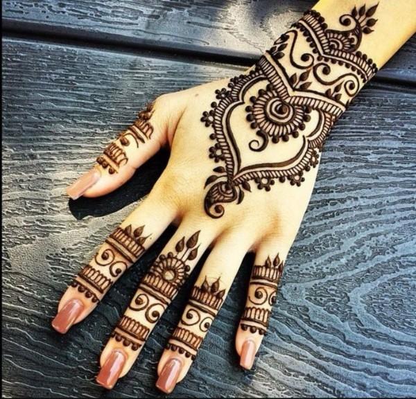 hand finger tattoo ideen mit henna