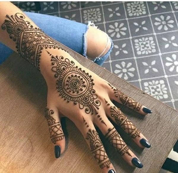 Henna Tattoo Hand Amazon: Neueste Trends Und Wunderschöne Motive