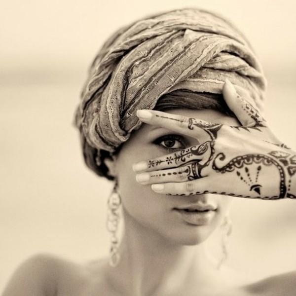 hand tattoo ideen mit henna
