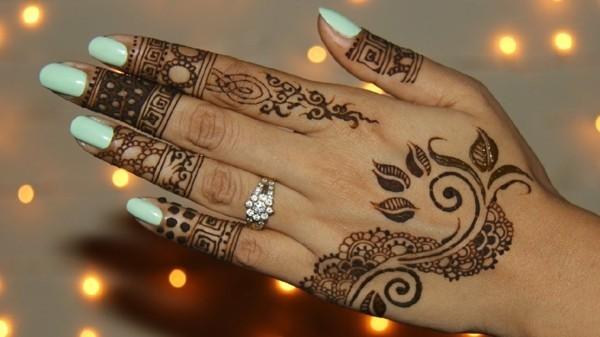 tattoo ideen mit henna handrücken