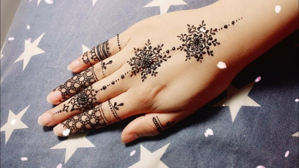 henna hand tattoo ideen