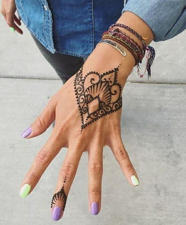 henna tattoo ideen hand motive