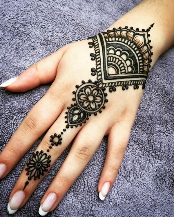henna tattoo ideen klassisch