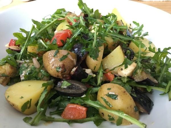 kartoffel mit salat gesundes essen