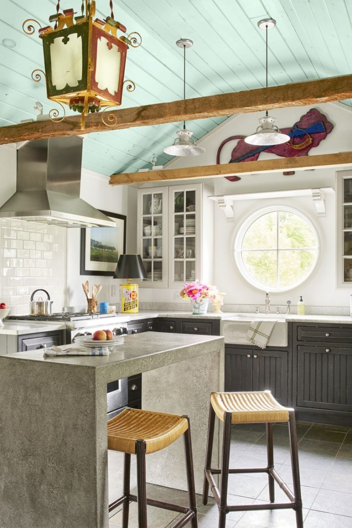 moderne Kücheninsel aus Beton rustikales Ambiente