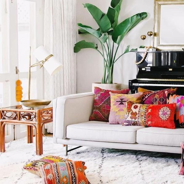 orientalisch einrichten bunte kissen wohnzimmer dekorieren