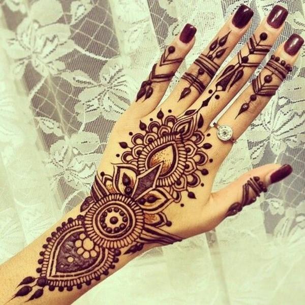 schöne tattoo ideen henna hand