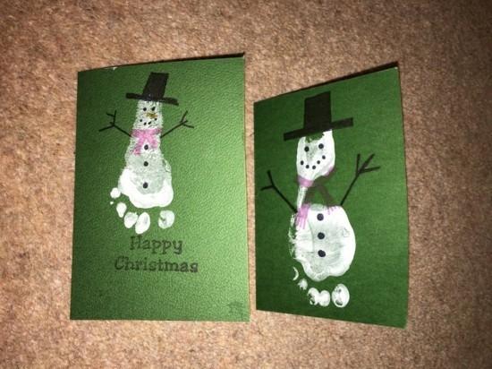 schneemann fußabdruck weihnachtskarten basteln mit kindern