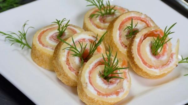 silvester fingerfood rezepte pfannkuchen lachs