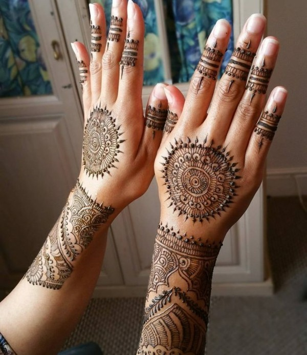 sonne motiv henna tattoo ideen
