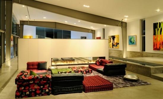 wohnzimmer einrichten bodenkissen sofa