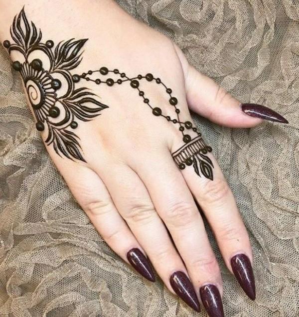 wunderschöne henna tattoo ideen blume