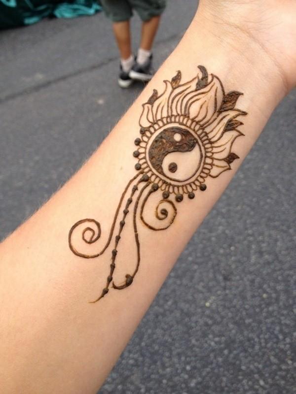 yin yang motiv henna tattoo ideen